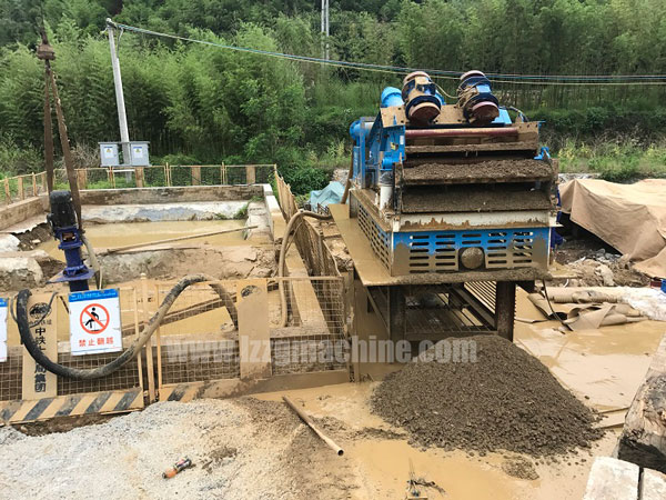 Drilling mud recycling system